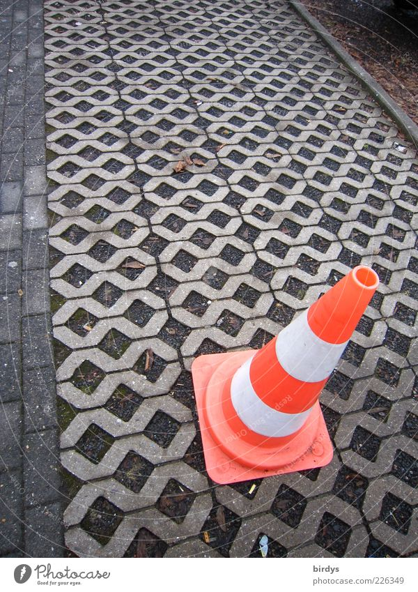 White Red Safety Arrangement Construction site Traffic infrastructure Barrier Parking lot Pavement Warning label Symmetry Grid Clue Traffic cone Boundary