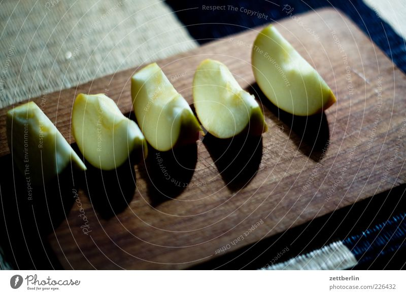 Apples in the garden Food Fruit Nutrition Organic produce Vegetarian diet Diet Slow food Finger food Healthy Table Good Chopping board Slice of apple Vitamin