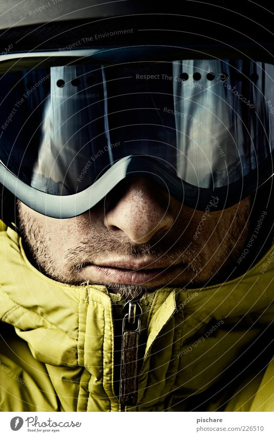 Man Youth (Young adults) Winter Face Adults Leisure and hobbies Masculine Lifestyle Cool (slang) Observe Athletic 18 - 30 years Helmet Winter sports Skier
