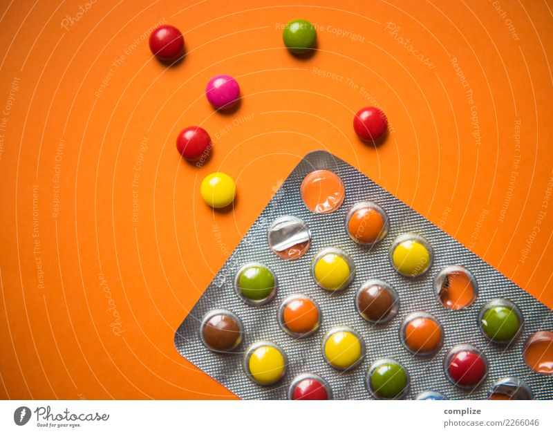 Party Pills Chocolate Nutrition Joy Happy Night life Music Club Disco Disc jockey Going out Feasts & Celebrations Clubbing Dance Carnival Youth culture Event