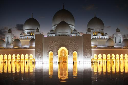 Sheikh Zayid Mosque in the evening Abu Dhabi United Arab Emirates Asia Populated Palace Places Architecture Tower Roof Domed roof Arcade Entrance Goal