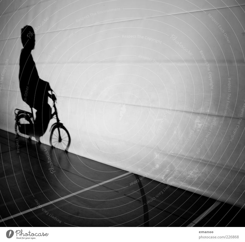 shadow driving Lifestyle Style Leisure and hobbies Playing Bicycle Human being Masculine Boy (child) Infancy 1 8 - 13 years Child Movement Driving Exceptional