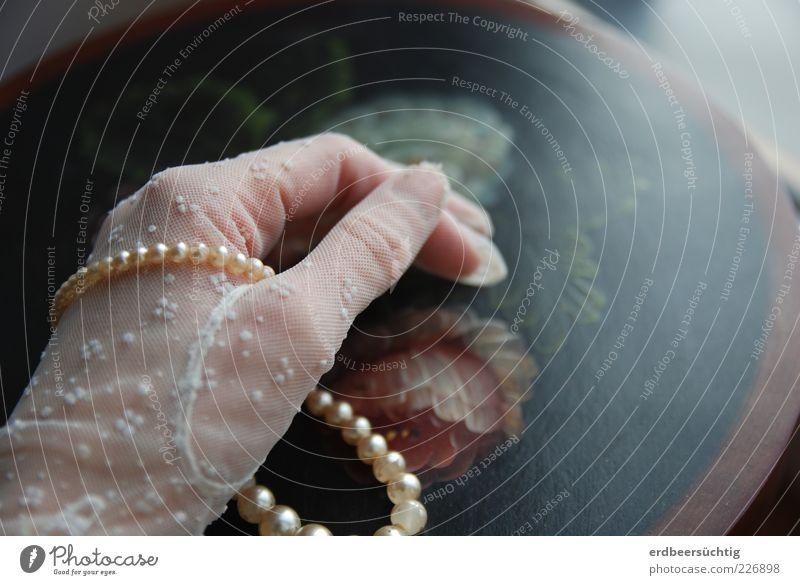 Grandma's jewellery box Harmonious Feminine Woman Adults Life Hand Fingers Rose Blossom Tin Decoration Souvenir Collection Dream Glittering Rich Round Beautiful