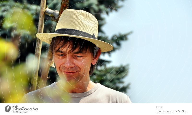 Human being Man Adults Masculine Hat Patient Portrait photograph Straw hat Panama hat 30 - 45 years