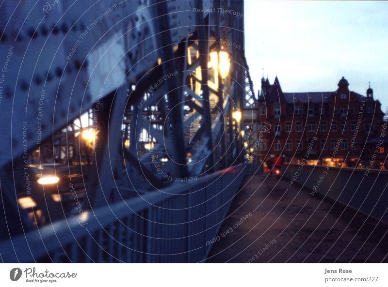 bw1 Light Architecture Bridge Twilight Blaues Wunder