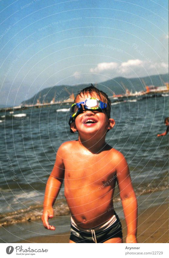 Child Man Sun Ocean Joy Blue sky Diving goggles Swimming goggles