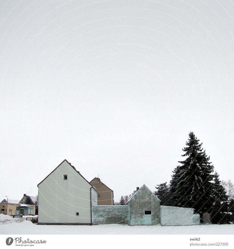 Sky Blue White Tree House (Residential Structure) Winter Cold Window Wall (building) Architecture Snow Wall (barrier) Building Gray Brown Facade