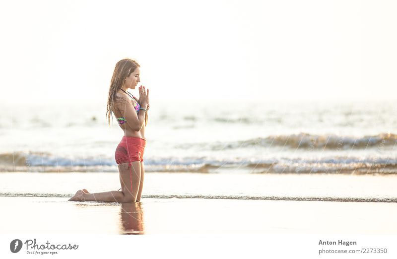 Thanks and praises Feminine 1 Human being 18 - 30 years Youth (Young adults) Adults Waves Coast Beach Ocean Indian Ocean Athletic Yoga Namaste Goa Posture