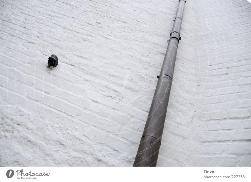 Wall (building) Wall (barrier) Building Facade Simple Manmade structures Long Conduit Redevelop Masonry Downspout Downpipe