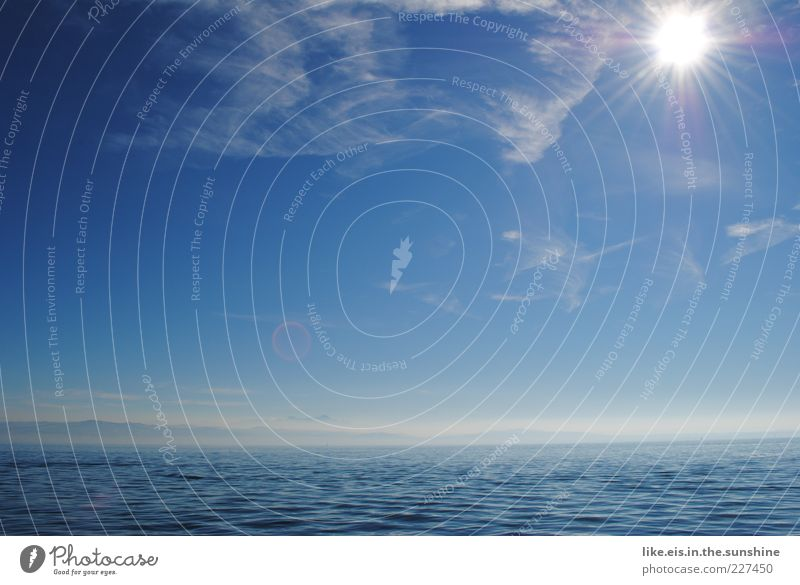 Sky Blue Water Sun Summer Ocean Far-off places Landscape Mountain Freedom Lake Horizon Weather Waves Infinity Beautiful weather