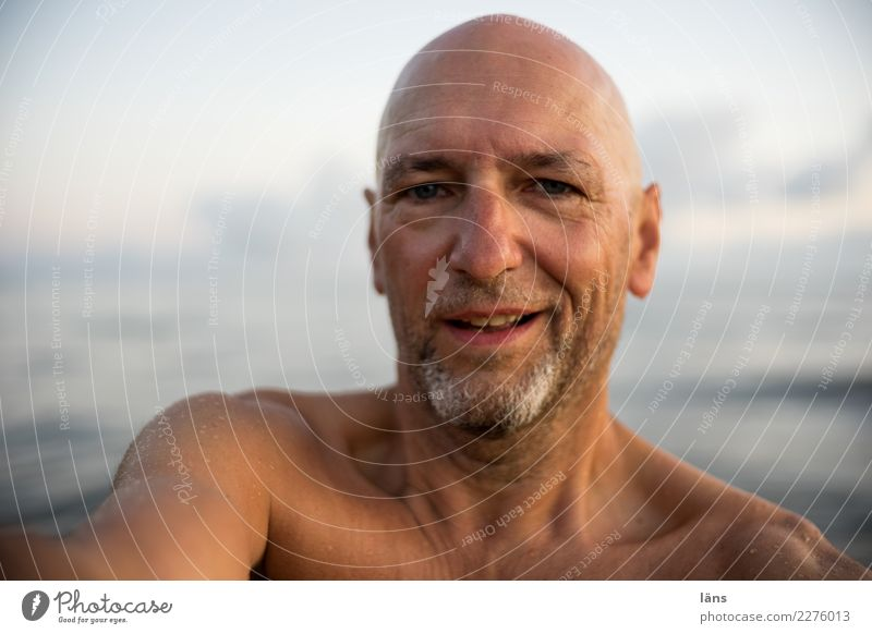 topless Vacation & Travel Ocean Waves Human being Masculine Man Adults Life Head 1 45 - 60 years Sky Coast Baltic Sea Observe Listening Smiling Laughter Looking