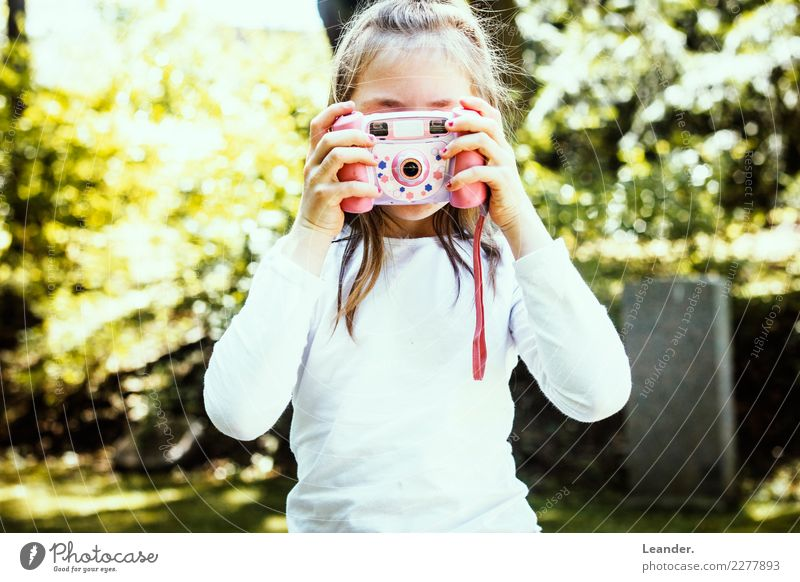 Junior Photographer Human being Feminine Child Girl Infancy Life 8 - 13 years Art Youth culture Media Laughter Make Multicoloured Yellow Emotions Joy Happy