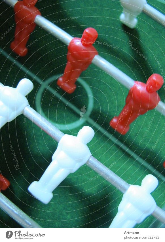 Kieek' times Playing Sports team Soccer player Table soccer Center circle Bird's-eye view Reddish white White Rod Colour photo