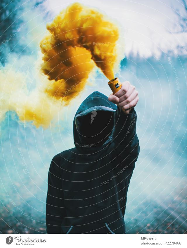 smoke detector Human being Man Adults 1 18 - 30 years Youth (Young adults) Environment Fire Fog To hold on Dark Brave Determination Anger Grouchy Frustration