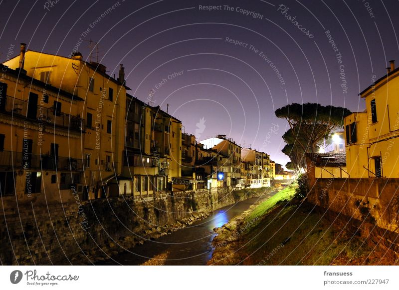 notte italiana Night sky River Florence Italy Europe Town Deserted House (Residential Structure) Building Wall (barrier) Wall (building) Calm South Colour photo