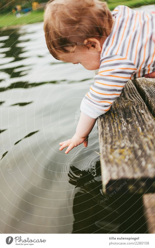 pitch pitchy-pitchy Playing Vacation & Travel Tourism Trip Adventure Child Baby Toddler Infancy Life Environment Nature Water Summer Pond Lake Observe Touch