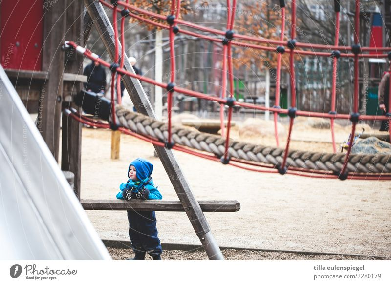 Child Human being Blue Winter Cold Small Playing Trip Leisure and hobbies Contentment Infancy Stand Smiling Wait Observe Cool (slang)