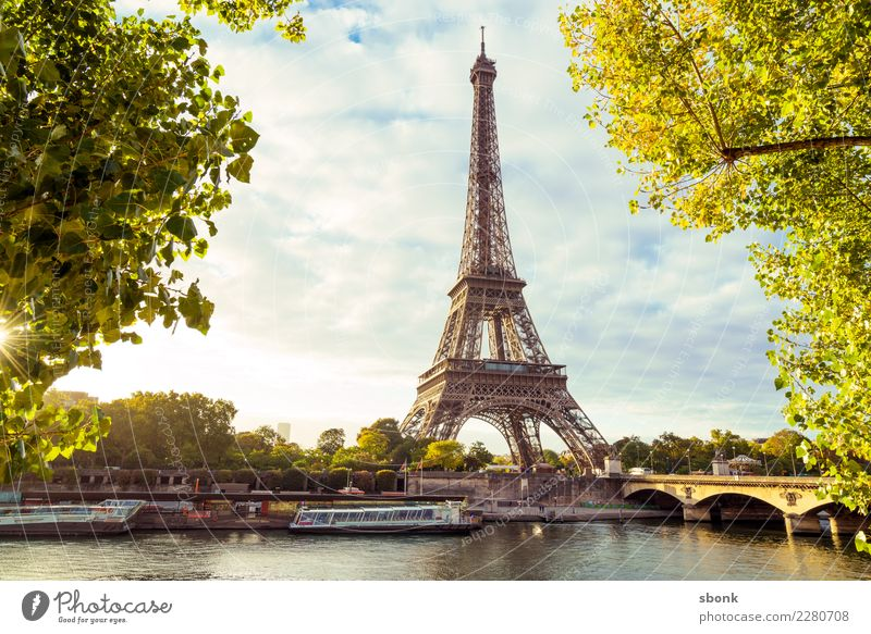 Eiffel Tower in the morning Paris Town Tourist Attraction Landmark Monument Love France Colour photo Exterior shot Deserted Copy Space middle Sunlight Sunbeam