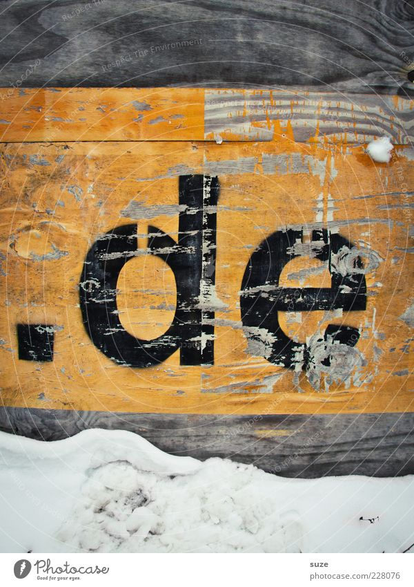 Black Yellow Wall (building) Snow Wood Germany Characters Internet Letters (alphabet) Sign Point Information Technology Weathered Abrasion Wooden wall Technology