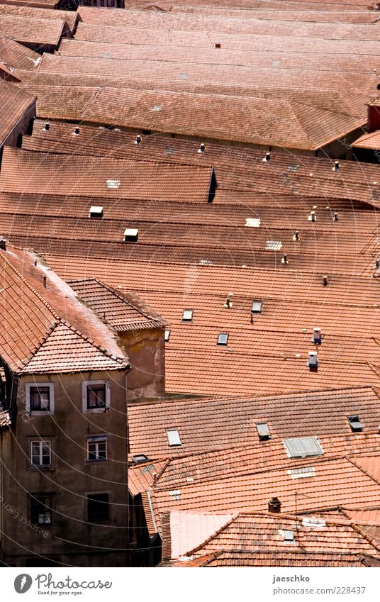 Old City Red House (Residential Structure) Architecture Facade Roof Manmade structures Many City life Society Narrow Shabby Claustrophobia Symmetry Full