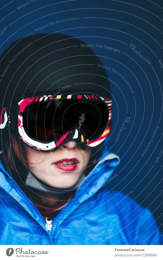 Woman with ski helmet and ski goggles Lifestyle Sports Fitness Sports Training Skiing Feminine Young woman Youth (Young adults) Adults 1 Human being