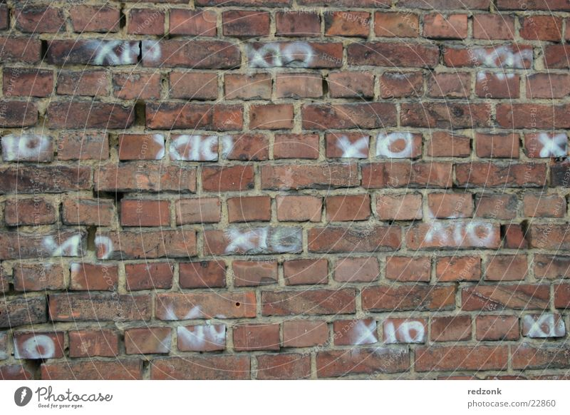 XO wall Wall (building) Brick Wall (barrier) Pattern Tagger Building Architecture Structures and shapes Graffiti