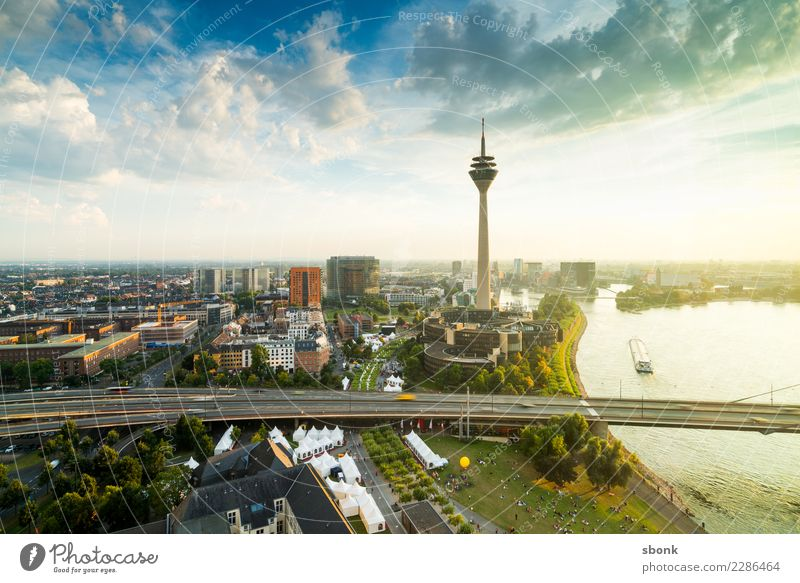 The sun laughs in Düsseldorf Duesseldorf Town Capital city Port City Tower Manmade structures Building Architecture Tourist Attraction Landmark Monument Modern