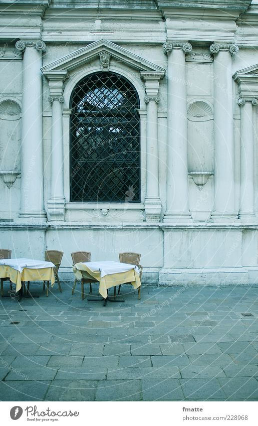 Italy Table Chair Gastronomy Empty Colour photo Exterior shot Copy Space bottom Day Deep depth of field Central perspective Deserted Restaurant