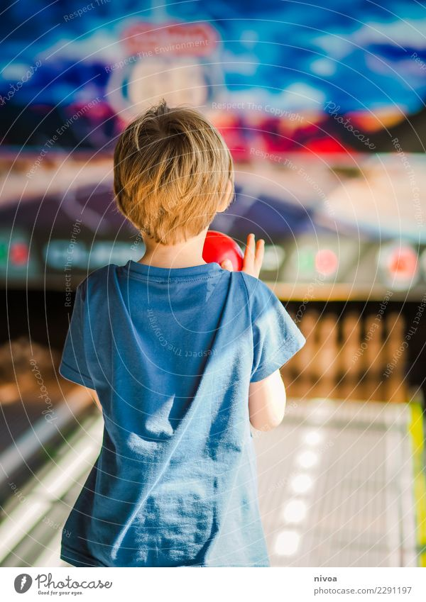 Adventure Bowling Joy Leisure and hobbies Playing Bowling ball Bowling alley Cruise Summer vacation Sports Closing time Human being Masculine Child Boy (child)