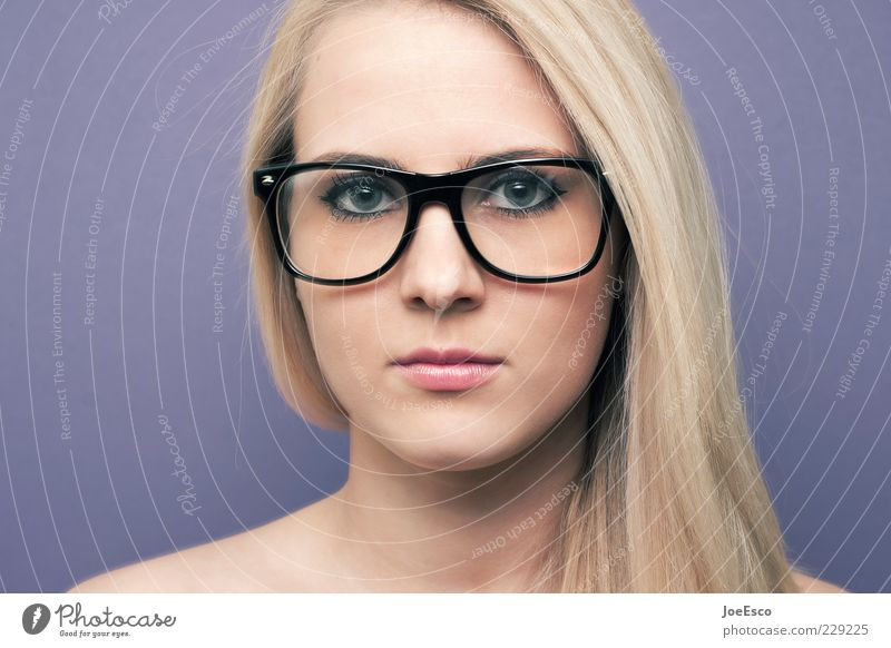 straight ahead Lifestyle Style Face Woman Adults Eyeglasses Blonde Long-haired Observe Communicate Nerdy Retro Cliche Emotions Self-confident Curiosity