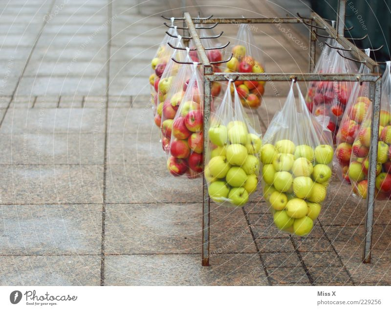 Green Red Nutrition Food Fruit Fresh Multiple Exceptional Apple Hang Sell Organic produce Paper bag Goods Offer Packaged