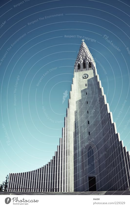 Hallgrímskirkja Sky Cloudless sky Church Manmade structures Building Architecture Tourist Attraction Monument Exceptional Modern Point Blue Belief