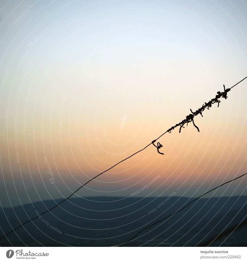Sky Nature Blue Calm Loneliness Emotions Mountain Moody Orange Horizon Exceptional Hill Cloudless sky Coil Wire fence Wiry