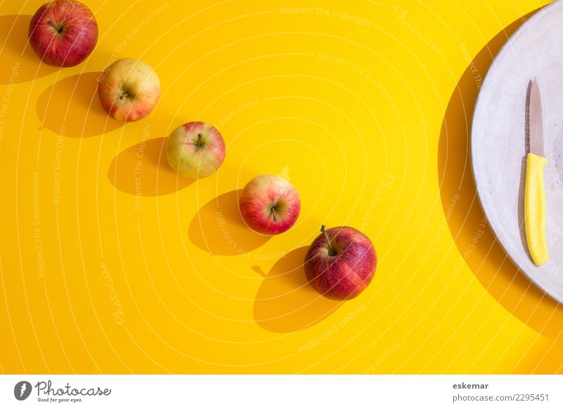 apples Food Fruit Apple Nutrition Organic produce Vegetarian diet Knives Esthetic Fresh Healthy Delicious Modern Above Juicy Sweet Many Yellow Gray Red Colour