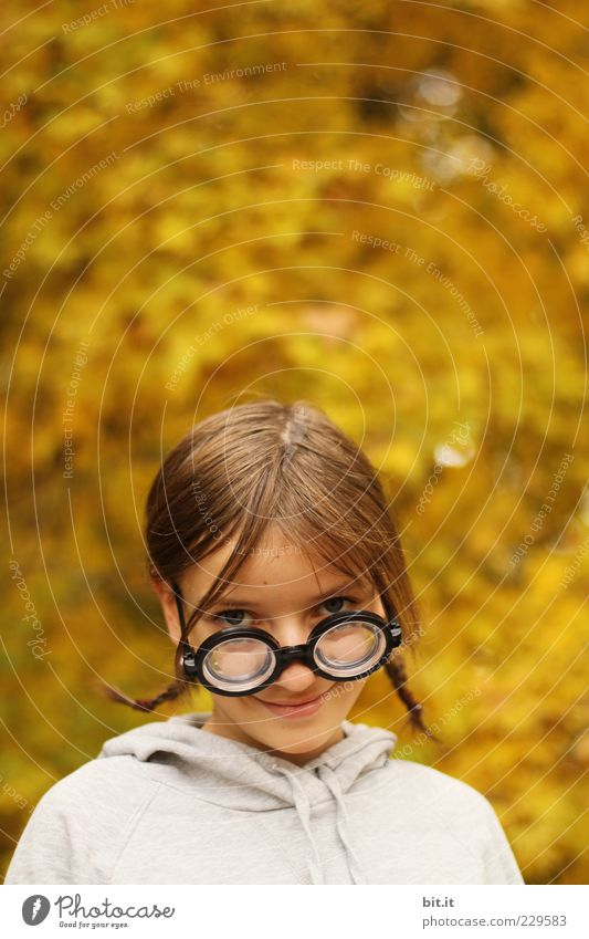 Child Youth (Young adults) Girl Joy Face Autumn Head Funny Infancy Study Happiness Cute Uniqueness Education Smiling Student