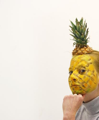 Thinker-Nas Food Fruit Nutrition Human being Head Face 1 18 - 30 years Youth (Young adults) Adults Funny Thorny Sweet Pineapple Bodypainting Mask Disguised