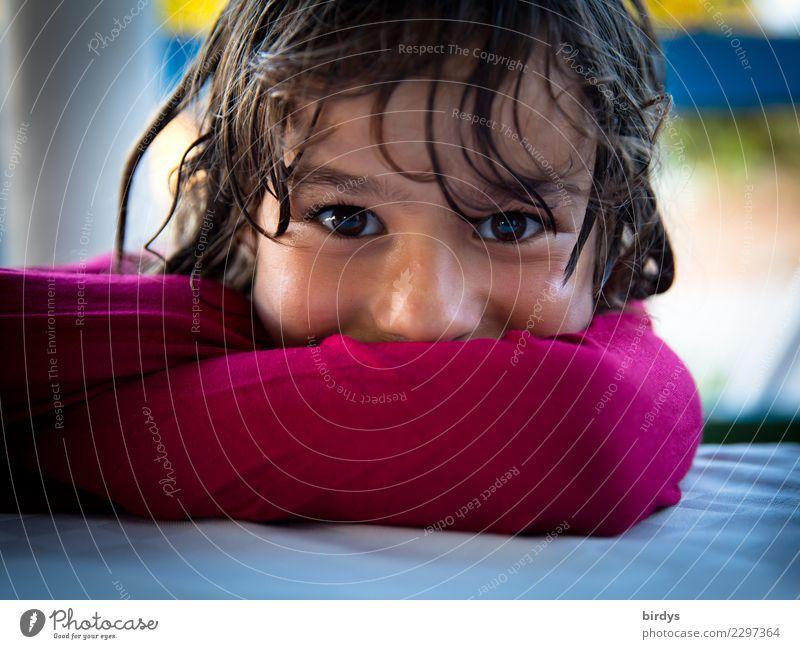 Child Human being Beautiful Joy Girl Face Natural Feminine Head Contentment Illuminate Glittering Infancy Authentic Smiling Joie de vivre (Vitality)