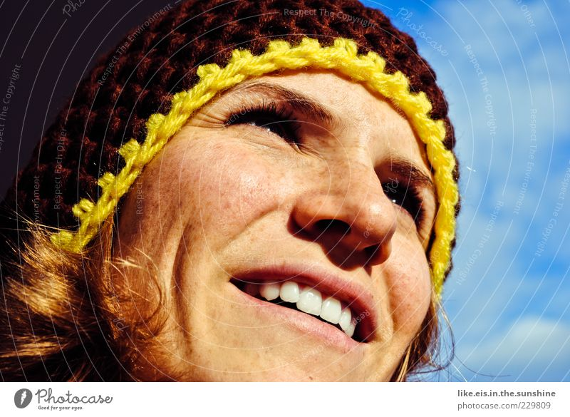 spring fever Feminine Young woman Youth (Young adults) Woman Adults Face Eyes Nose Mouth Lips Teeth 1 Human being 18 - 30 years Sky Winter Beautiful weather Cap