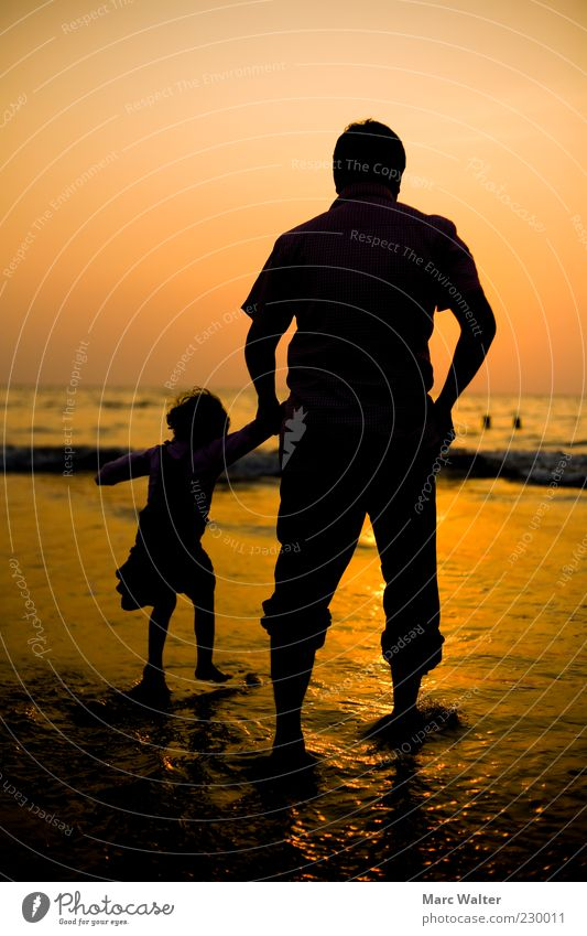 Wanderlust. Child Girl Father Adults Life 2 Human being 3 - 8 years Infancy 45 - 60 years Sunrise Sunset Beautiful weather Waves Coast Beach Ocean Observe