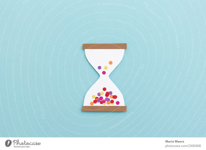 Confetti hourglass - time flies when you're having fun Lifestyle Joy Relaxation Leisure and hobbies Clock Hourglass Feasts & Celebrations Laughter Make Dream