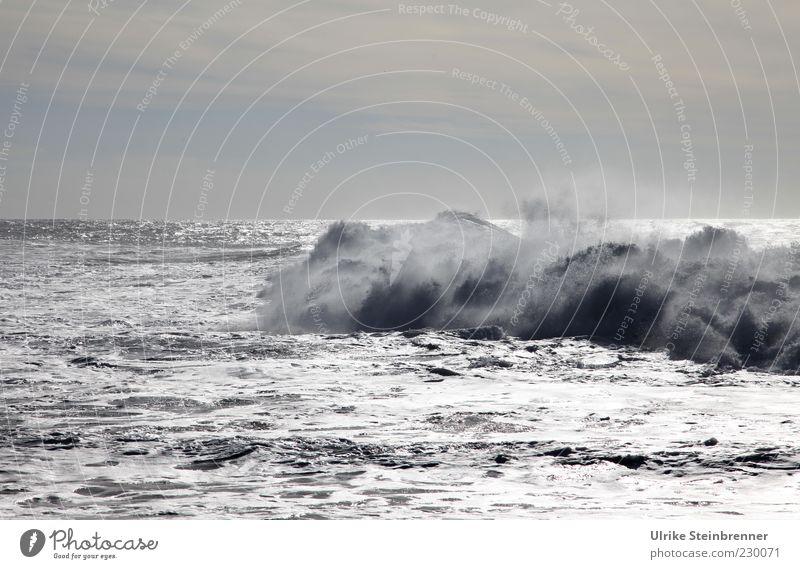 crushers Nature Elements Water Drops of water Clouds Horizon Sunlight Weather Gale Waves Coast Ocean Atlantic Ocean Island Fuerteventura To swing Threat Fluid