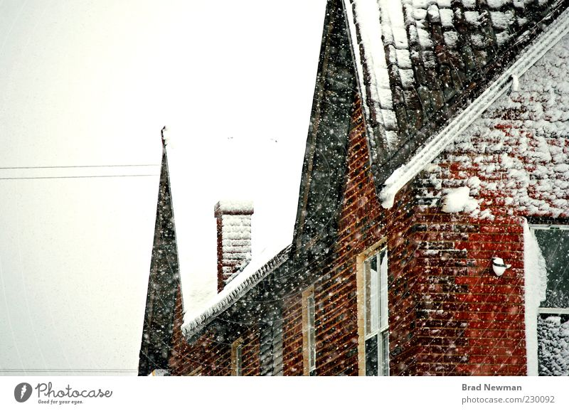 Chimney Nature White Red Winter Clouds Black Cold Snow Window Wall (building) Building Wall (barrier) Snowfall Weather Roof Manmade structures