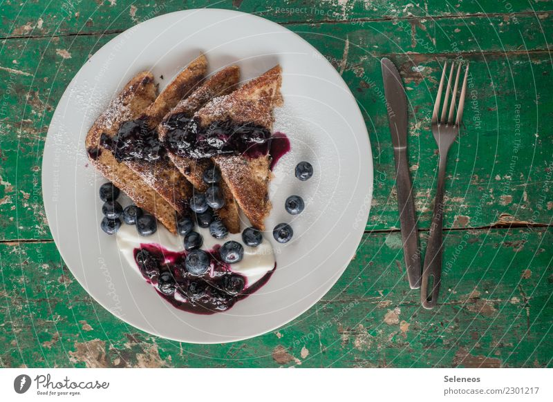 a sweet start to the week Food Yoghurt Fruit Dough Baked goods Bread Toast French toast Blueberry Sauce Nutrition Eating Breakfast Cutlery To enjoy Fresh