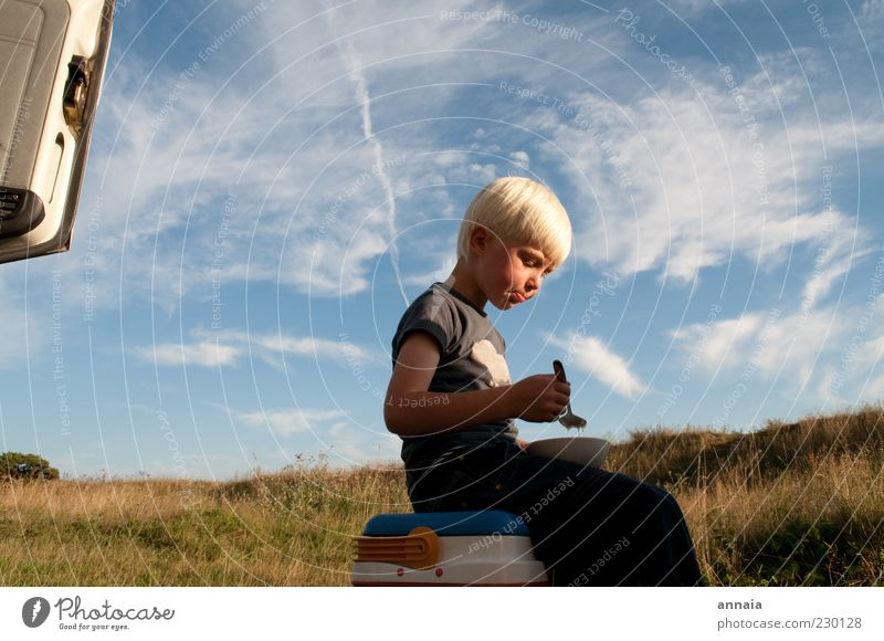 finally wat to eat Child Boy (child) Infancy 3 - 8 years Nature Sky Summer Eating Vacation & Travel Blonde Infinity Calm Appetite Wanderlust Adventure