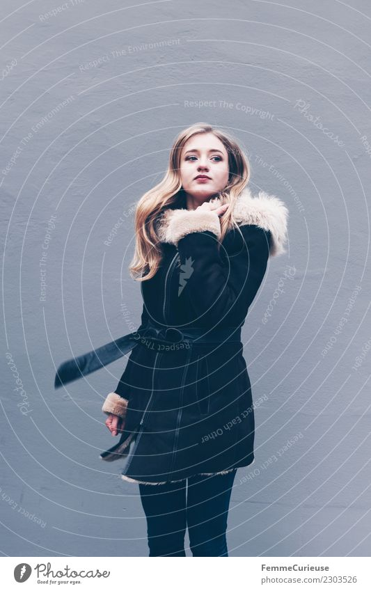 Young blonde long haired woman in winter coat with fur Lifestyle Elegant Style Feminine Young woman Youth (Young adults) Woman Adults 1 Human being