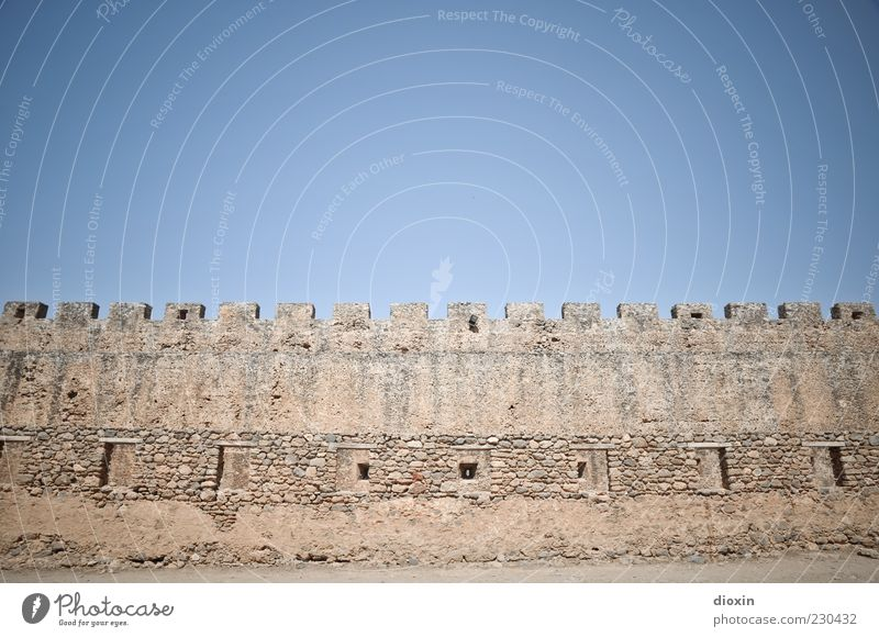 Sky Old Summer Wall (building) Architecture Wall (barrier) Tall Large Authentic Manmade structures Historic Beautiful weather Ruin Tourist Attraction
