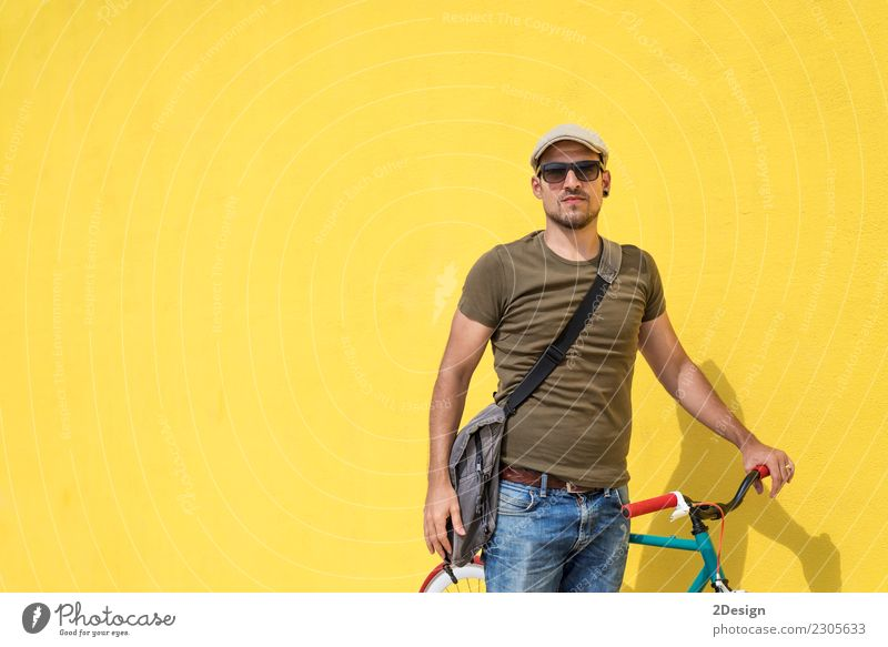 Man posing with his fixed gear bicycle wearing sunglasses Lifestyle Style Joy Happy Leisure and hobbies Vacation & Travel Cycling Human being Adults Environment