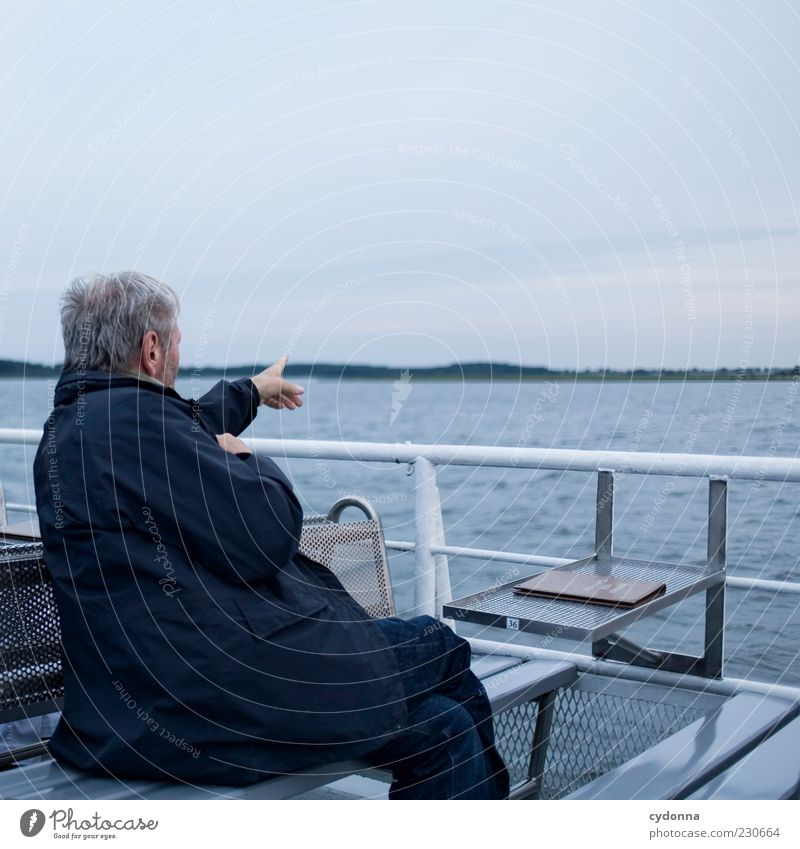 On the horizon Lifestyle Well-being Vacation & Travel Tourism Trip Far-off places Sightseeing Human being Male senior Man Senior citizen 45 - 60 years Adults