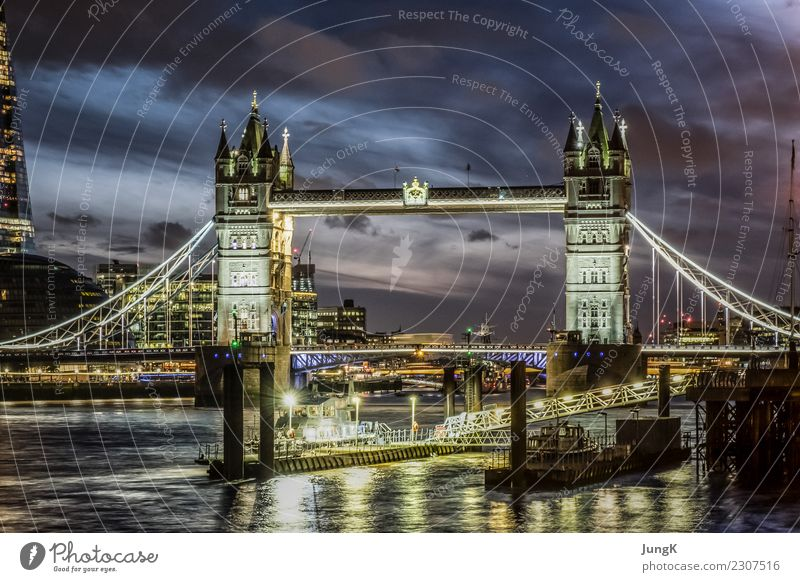 TREASURE HUNT Tourism Sightseeing City trip Architecture London Great Britain England Europe Town Capital city Bridge Manmade structures Tourist Attraction