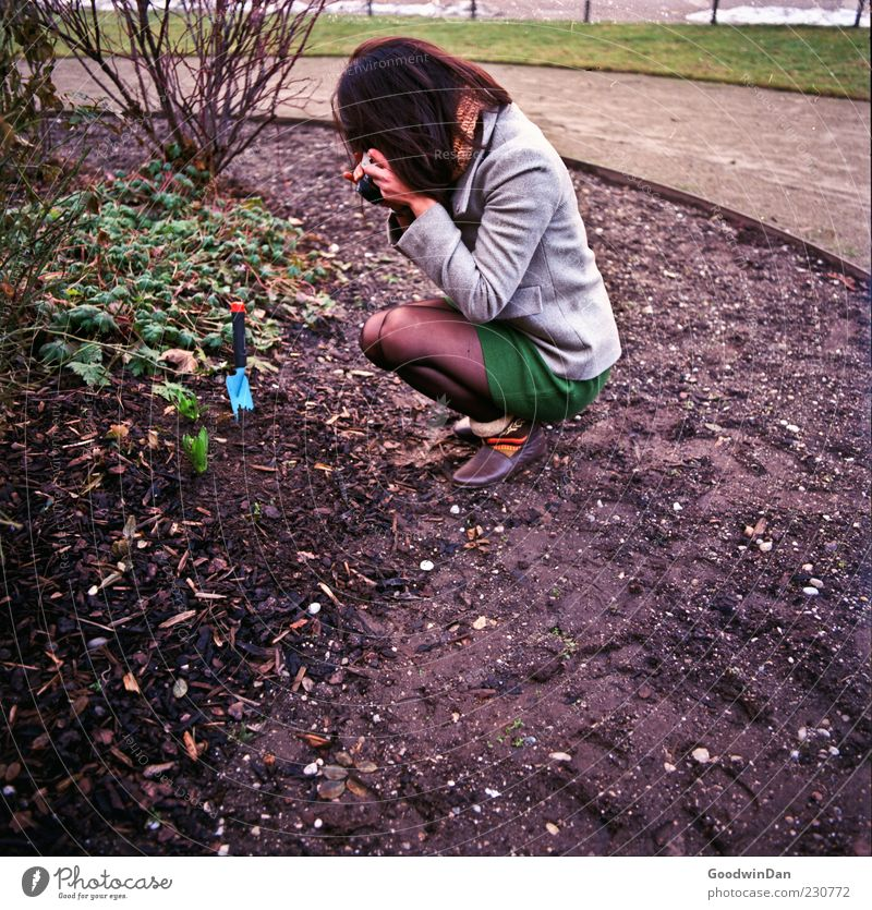 Resting place, or place of revenge? Human being Feminine Young woman Youth (Young adults) Woman Adults 1 Environment Nature Climate Weather Garden Park Discover